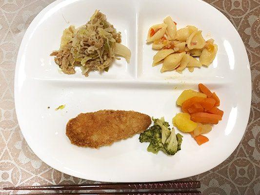 あじメンチカツ弁当の実食レビュー
